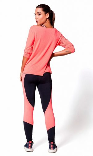 BACK OF LEGGINGS 567
