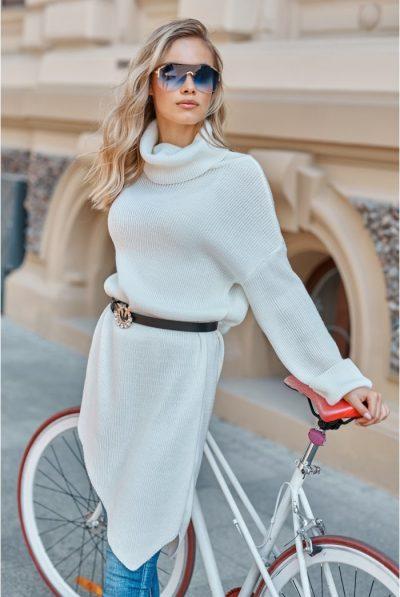 asymetryczny-sweter-damski-z-golfem-ecru-s123 (1)