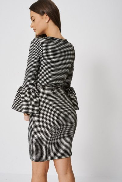 back of houndstooth