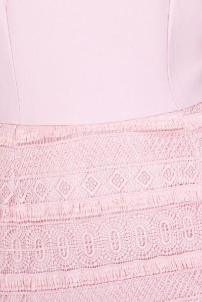 slight fringe pink