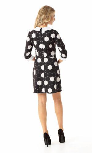 sukienka-w-grochy-z-kontrastujacym-kolorystycznie-kolnierzykiem-z-lekko-trapezowym-dolem (1)